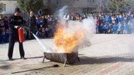Öğrencilere yangın tatbikatı