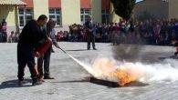 Öğrencilerden sivil savunma tatbikatı