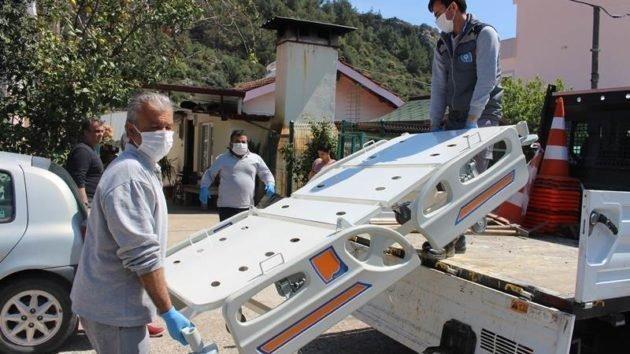 Büyükşehir'in hasta yatağı yardımları devam ediyor