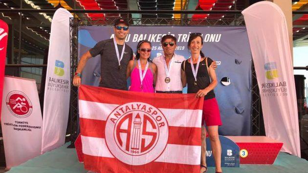 Antalyaspor madalyaları topladı