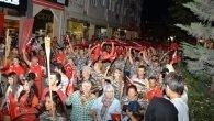 600 Metre Türk Bayrağıyla Zafere Yürüdüler