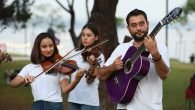 Konyaaltı Belediyesi Oda Orkestrası, sokakta…
