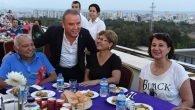 Başkan Böcek'ten şehit ailelerine iftar…