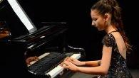 Küçük parmaklardan piyano ziyafeti