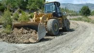 Manavgat köy yollarına asfalt öncesi bakım onarım
